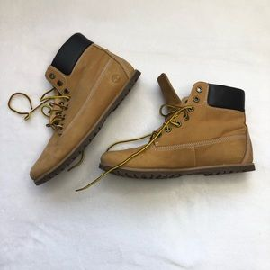 Timberland womens leather hiking boot us 6 tan